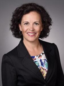 Headshot Annette Wiedemann